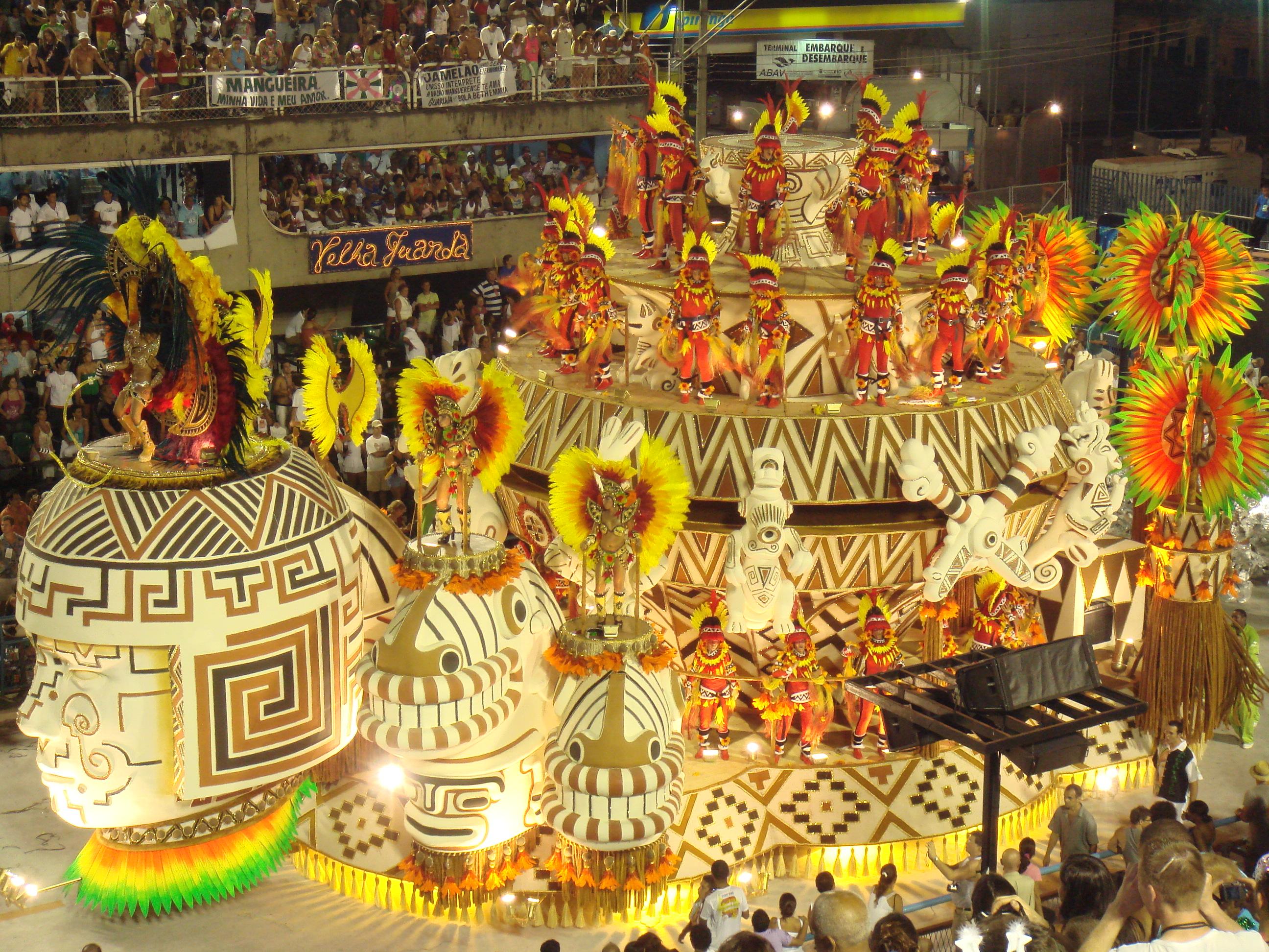 Auf Deutsch in Rio Karneval feiern